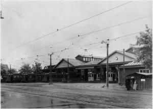 Spårvagnshallarna på Sockenvägen, 1930-tal? Dags för första turen?